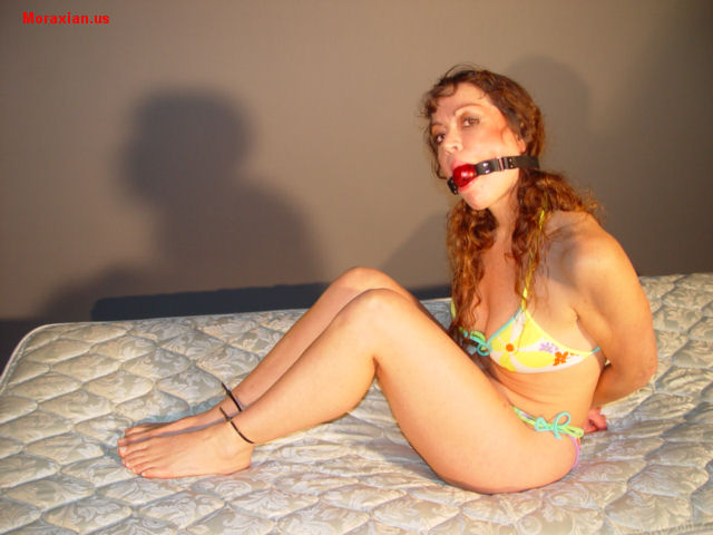 Queen at it again new vibrator and gets off while watching another amateur 10